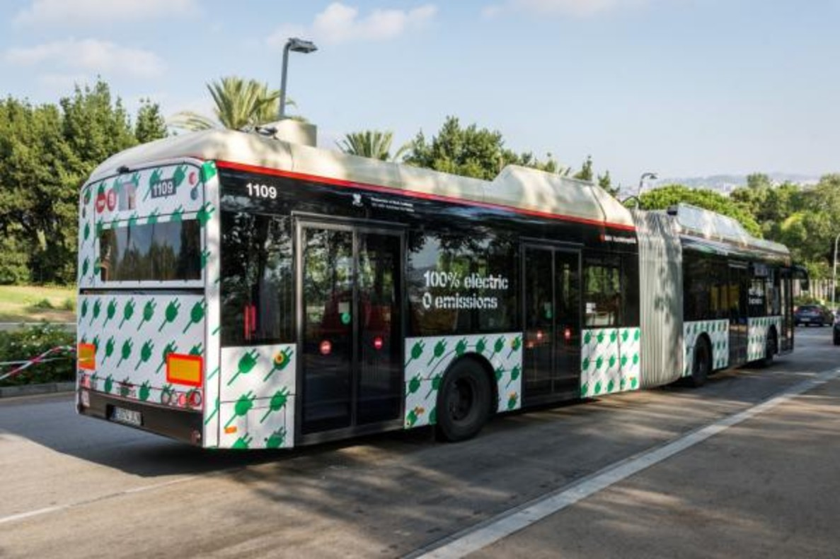 Nuevo bus articulado eléctrico.