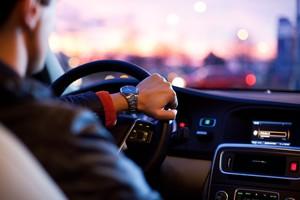 """Una mujer narra su """"pánico"""" durante un viaje en BlaBlaCar con tres hombres"""