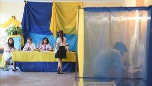 Colegio electoral en la ciudad ucraniana de Mshana.