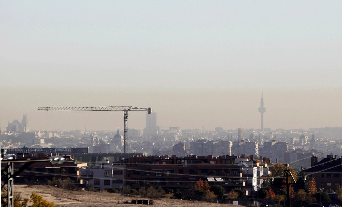 Vista de la polución que se aprecia en la ciudad de Madrid.