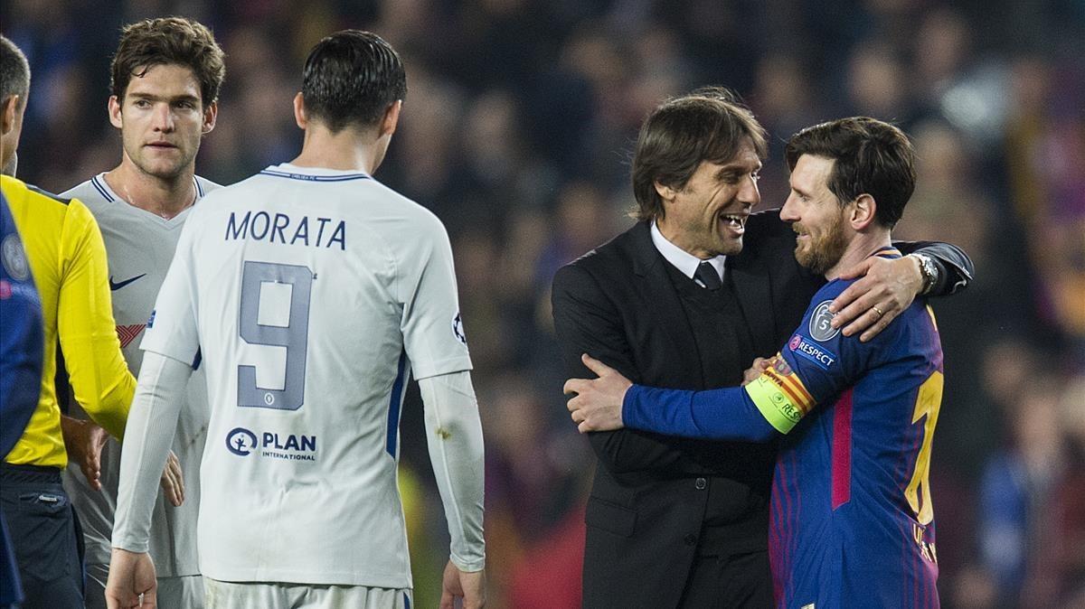 Conte abraza a Messi tras caer eliminado el Chelsea en el Camp Nou.