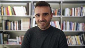 Cristian Olivé, docente de Lengua y Literatura en un instituto de Barcelona y autor de 'Profes rebeldes', en Madrid.