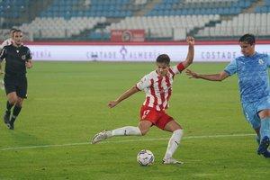 El Girona treu un punt heroic a Almeria amb vuit jugadors