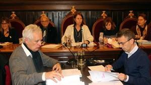 La alcaldesa de Girona, Marta Madrenas, presidiendo el pleno de este lunes 11 de diciembre