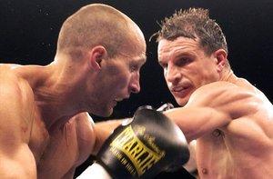 El púgil Javier Castillejo, durante la disputa con el ruso Roman Karmazin del título mundial superwelter.