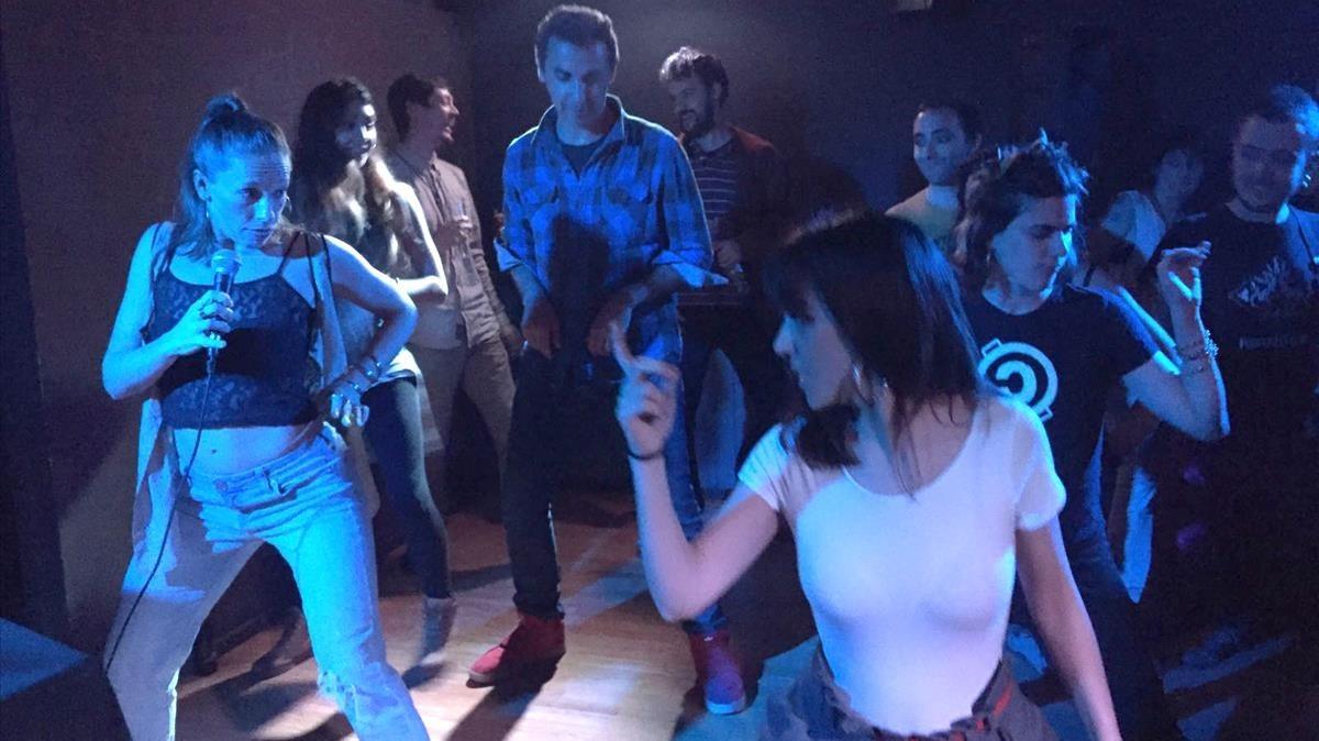 Kim Jordan (a la izquierda) y María Cabral (a la derecha) en una de las primeras sesiones Booty Riots