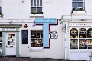 Vivir de las rentas: ¿merece la pena invertir en locales comerciales?