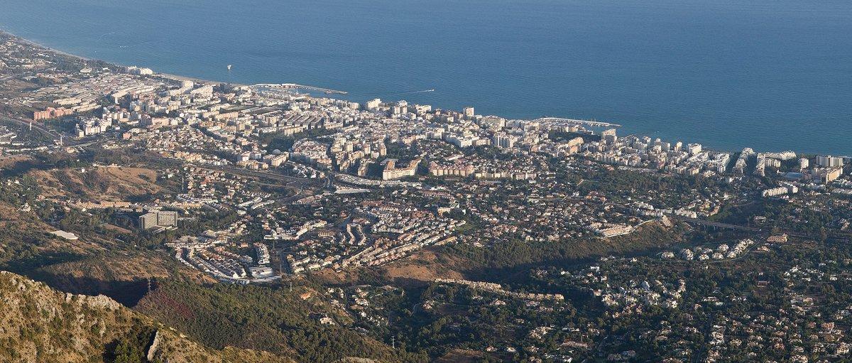 Lliguen de mans una família i roben més d'un milió en joies en una mansió Marbella