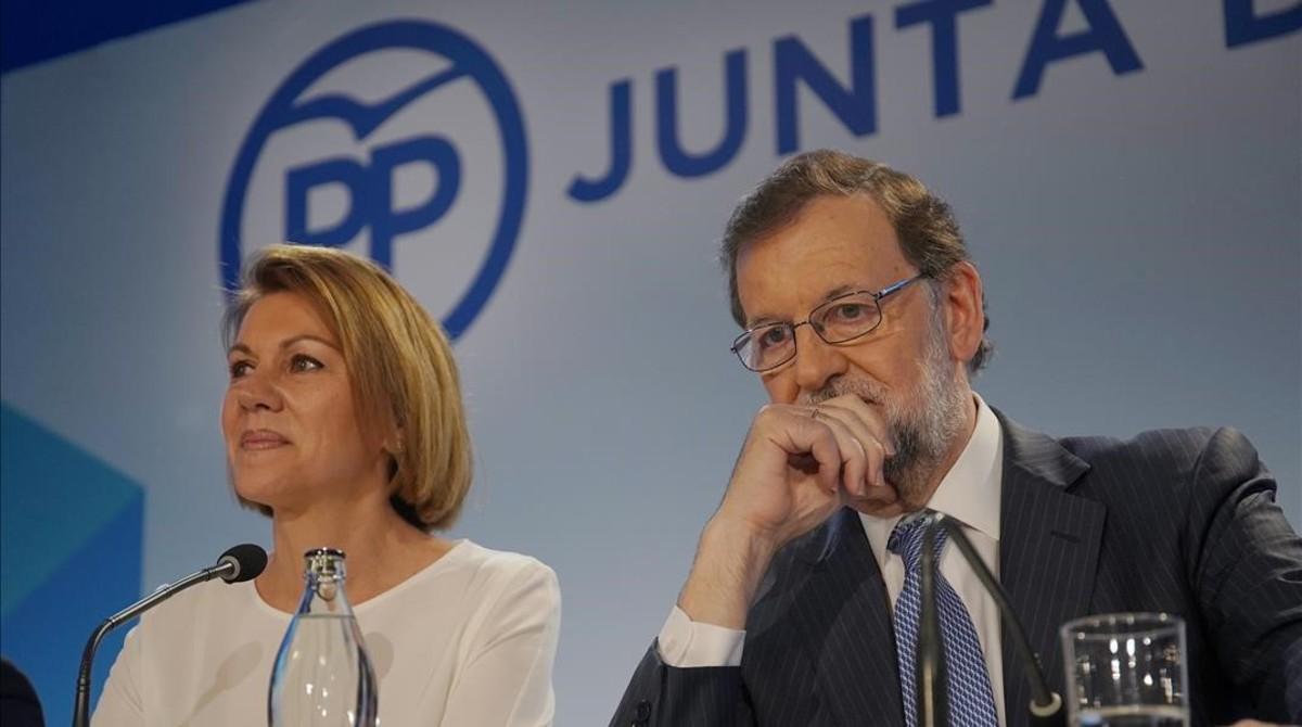 Mariano Rajoy y María Dolores de Cospedal, en la junta directiva nacional que puso fecha al congreso extraordinario del PP.