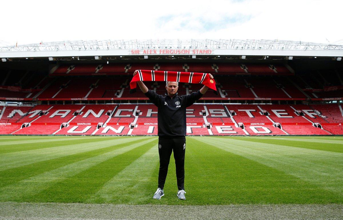 Jose Mourinho, cuando fue fichado por el United.