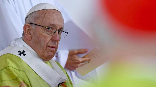 El Papa finaliza su viaje en Irlanda pidiendo perdón por los abusos a miles de niños y niñas por parte del clero.