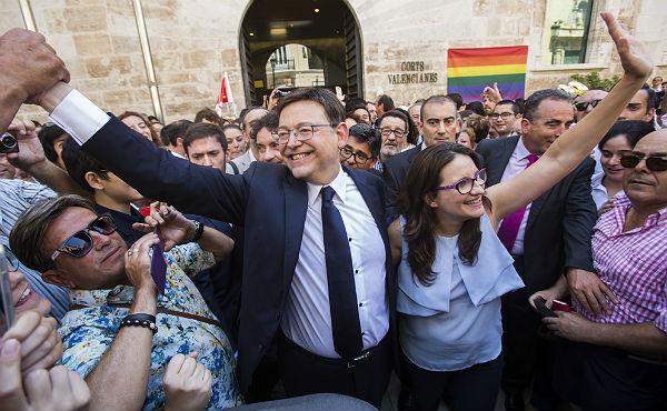 El socialista Ximo Puig promete este domingo en las Cortes su nuevo cargo como presidente de la Generalitat Valenciana.