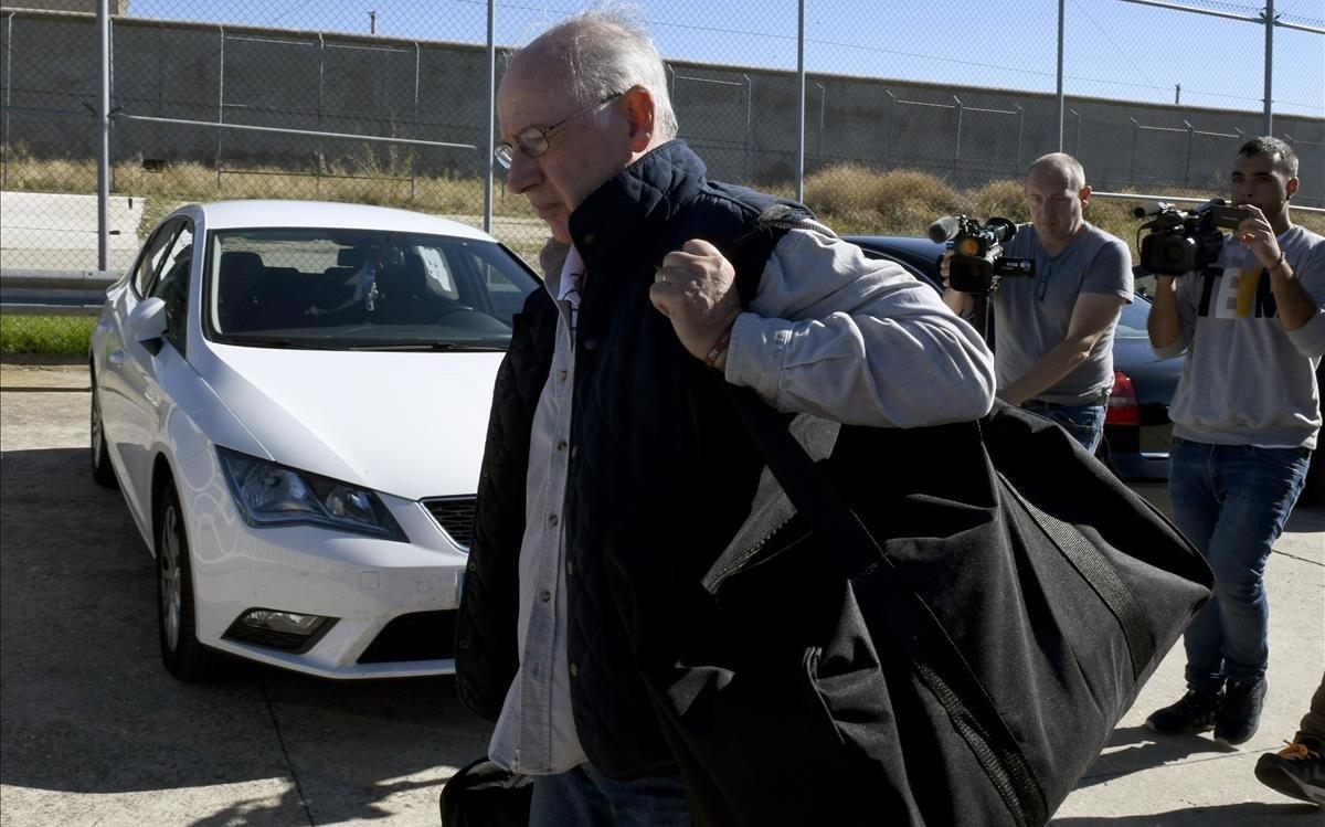 Rodrigo Rato, en el momento de ingresar en prisión en Soto del Real este jueves.