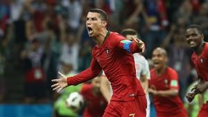 Cristiano Ronaldo celebra su golazo de falta.
