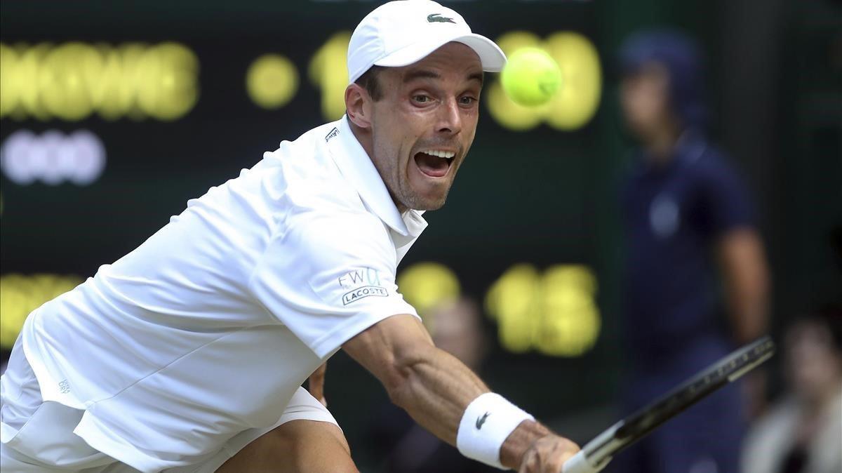 Bautista no pot amb el campió Djokovic