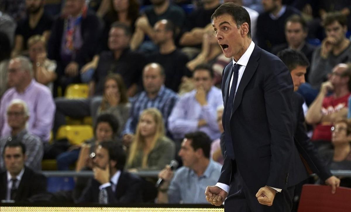 El técnico del Barça, Bartzokas, en el partido ante el Fenerbahçe en el Palau.