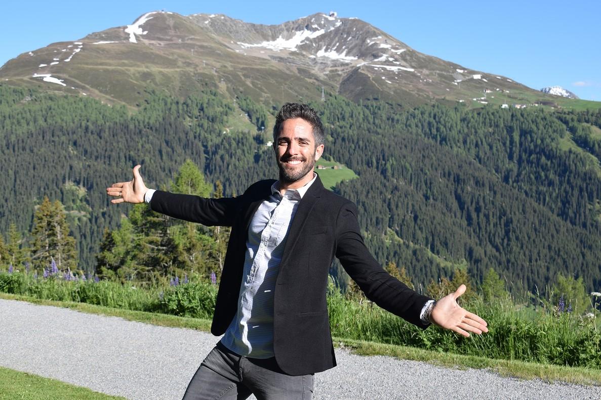 Roberto Leal, presentador de Hotel Romántico.