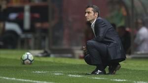 Valverde observa el juego, este sábado en Montilivi.