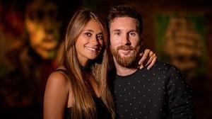 Última foto de la pareja Messi-Rocuzzo antes de la boda.