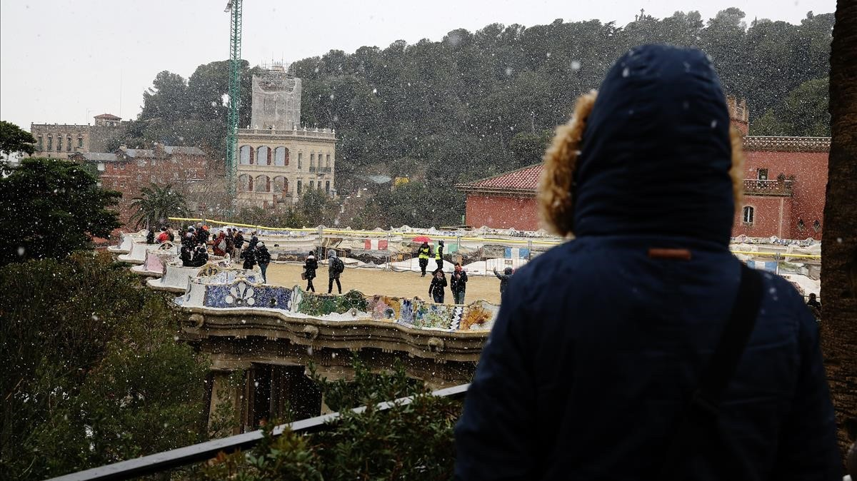 Nieve en el parque Güell, la tarde del martes.