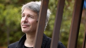 """Éric Vuillard: """"La veritat ens emociona i ens fa pensar"""""""