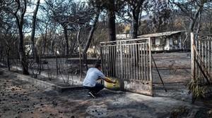 """Indignació a Grècia: """"Vau deixar que ens creméssim vius"""""""