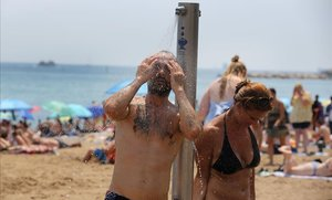 La primera onada de calor de l'estiu arriba dimecres
