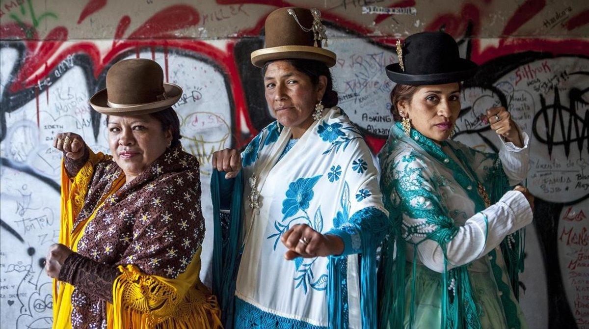 Las cholitas pegan fuerte