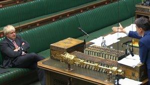 Johnson carrega contra la UE en defensa de la seva llei del mercat