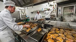 Colegio Jesuitas de Sarrià - Sant Ignasi: 2.300 menús al día, el jefe de cocina nos explica como lo hacen