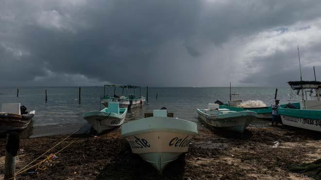 México se prepara para el impacto del huracán Delta