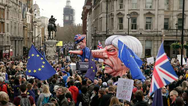 El Parlament britànic prova de prendre el control del 'brexit'