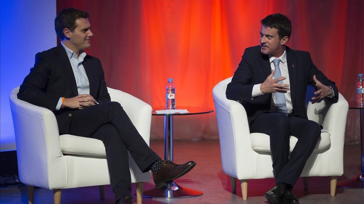 Albert Rivera y Manuel Valls, en un acto de la campaña de Ciudadanos para el 21-D en Barcelona.