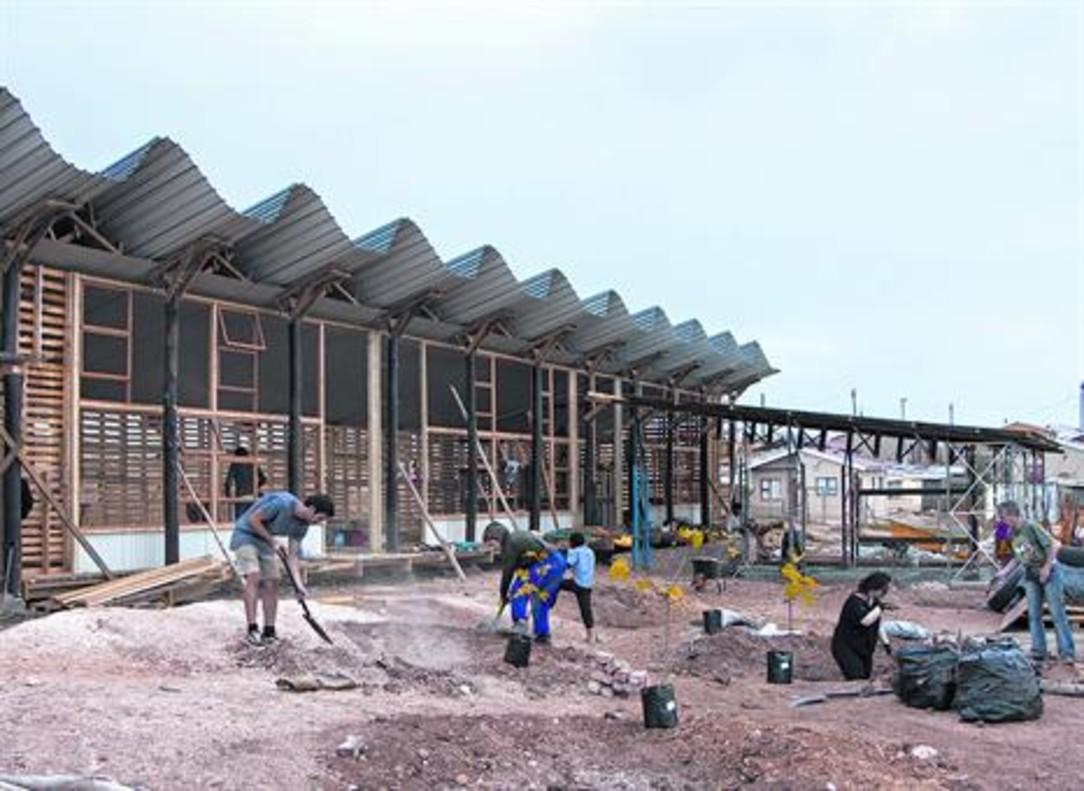 Construcción de la escuela preescolarSilindokuhle.
