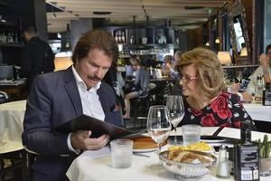 Bigote Arrocet y María Teresa Campos comparten mesa y mantel, en Las Campos.
