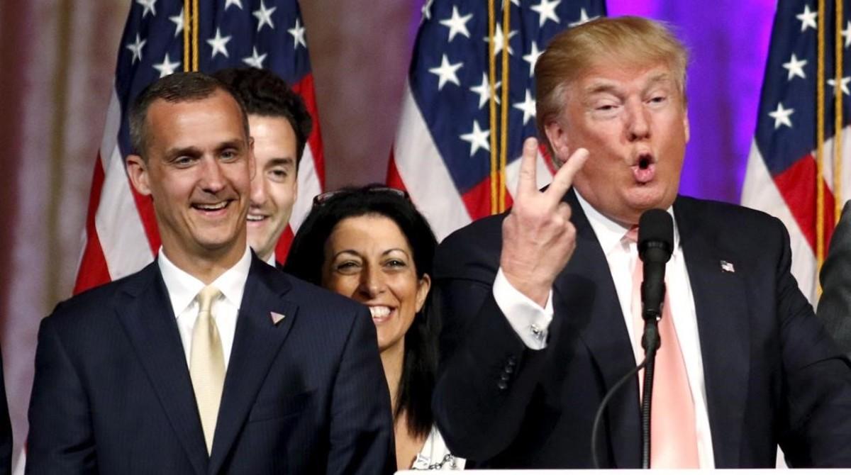 En candidato republicano a la Casa Blanca, Donald Trump, con su jefe de campaña, Corey Lewandowski.