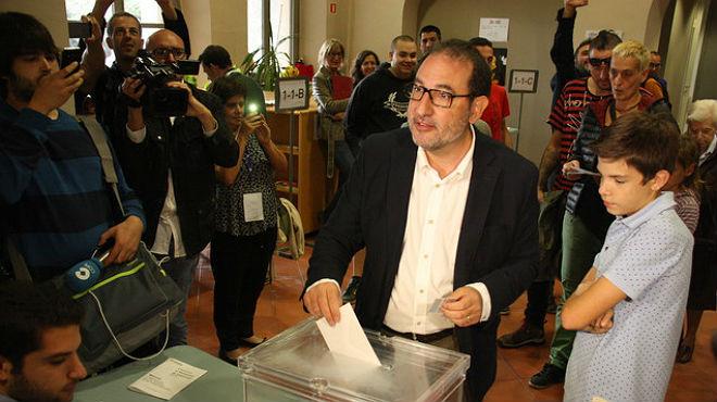 El candidato de Unió, Ramon Espadaler, en declaraciones tras su votación en el 27-S.