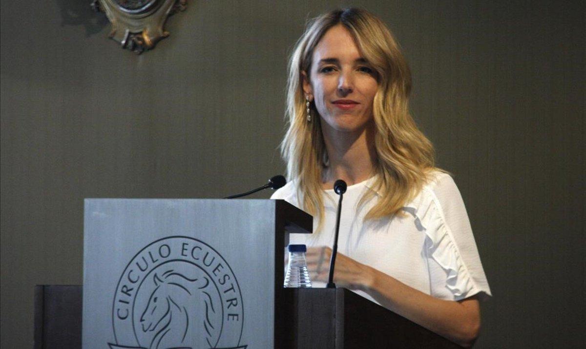 Cayetana Álvarez de Toledo, en su intervención en el Círculo Ecuestre, en Barcelona.