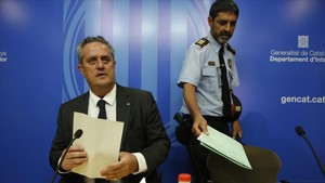 La comparecencia del consellerJoaquim Forn y del major de los Mossos, Josep Lluís Trapero, sobre el aviso de la CIA.