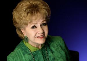 Debbie Reynolds posa para un retrato, en octubre del 2011 en Nueva York.