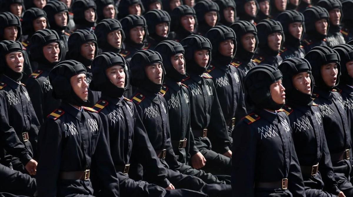 Desfile de los soldados en Pionyang.