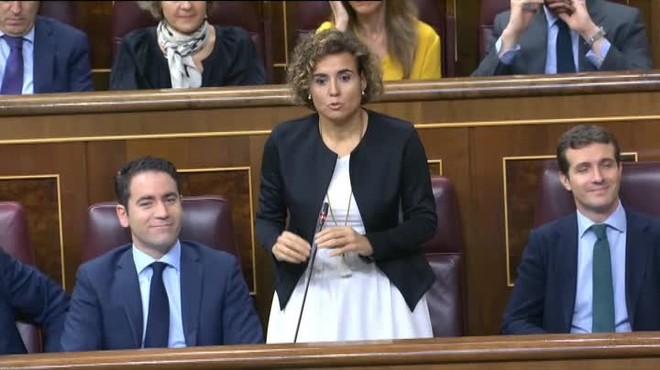 La portavoz del Grupo Popular en el Congreso de los Diputados acusa al Ejecutivo de actuar como abogado defensor de los golpistas en Catalunya.