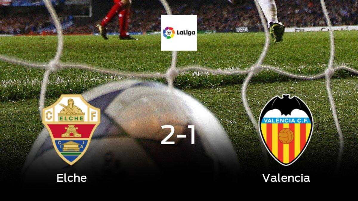 El Elche vence 2-1 en casa al Valencia
