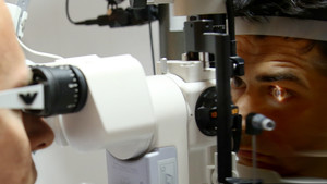 Estudio de la córnea de un paciente.