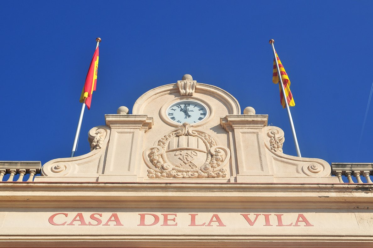 Fachada del Ayuntamiento de Rubí.