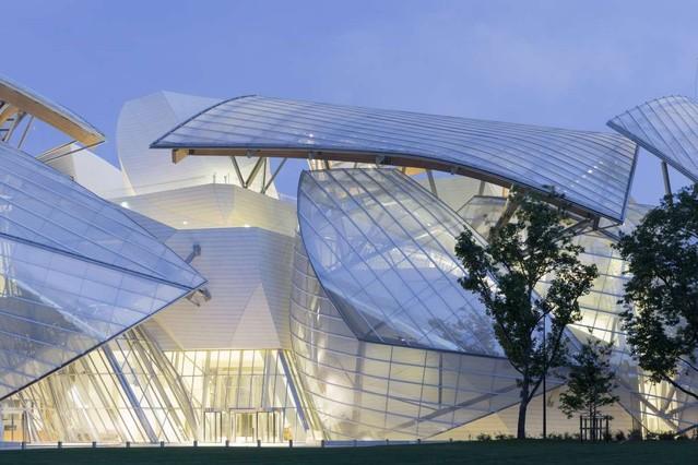 c947996f8 Vuitton estrena su sede en París construida por Frank Gehry