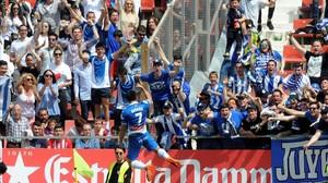 Gerard Moreno celebra el primero de sus goles en Montilivi.