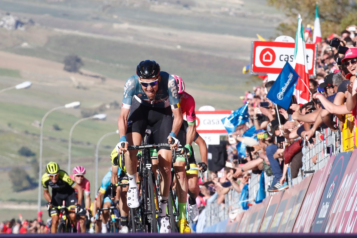 Tim Wellens triunfa en la cuarta etapa del Giro.