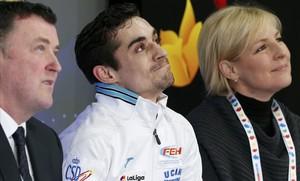 Javier Fernández, con cara de circunstancias, espera la puntuación.