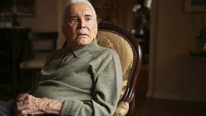 Kirk Douglas compleix 102 anys